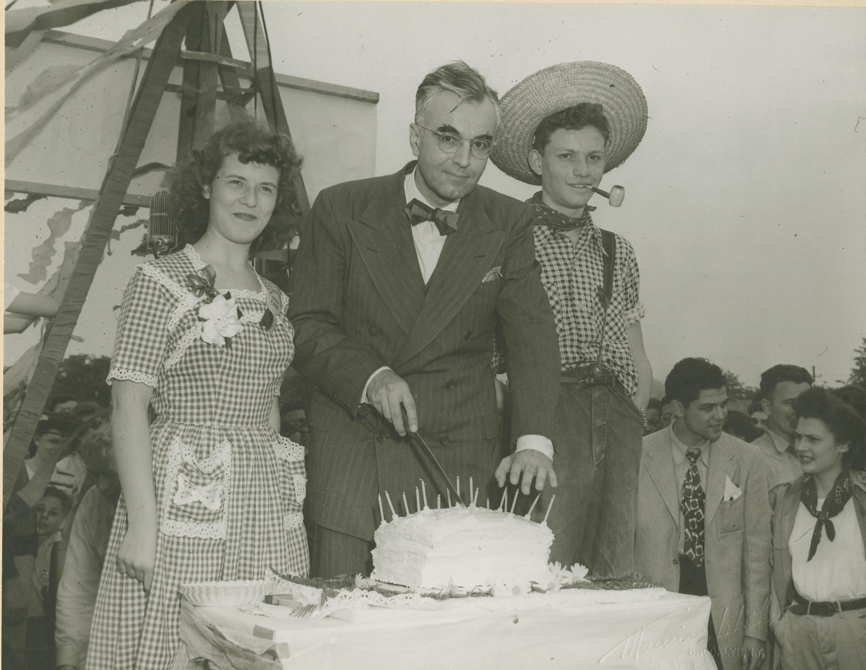 Superb President Gideonse Cuts The Brooklyn College Birthday Cake 1946 Funny Birthday Cards Online Inifodamsfinfo